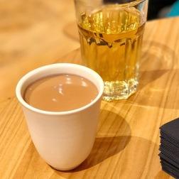 Lai'tcha traditionnel ; thé rouge glacé aux zestes de citron