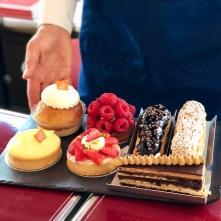 Le plateau des desserts à la Rôtisserie