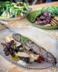 Brochette kebab et légumes du mangal